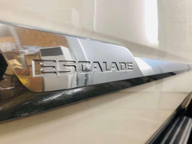 店頭には全国・全会場のオークション情報をチェックしたうえで厳選仕入した良質な車両のみを展示しております!!