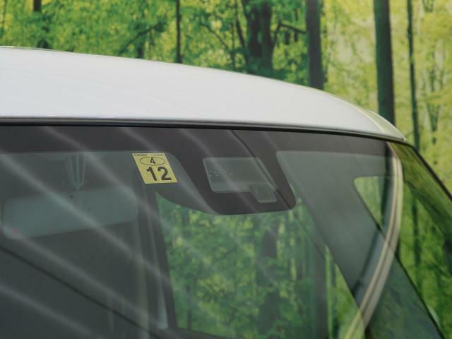 ☆デュアルセンサーブレーキサポート☆2つのセンサーで前方の歩行者や車を検知。衝突回避支援ブレーキや誤発進抑制、車線逸脱警報、ハイビームアシストなど6つのサポートで万一の事故を予防するシステムです