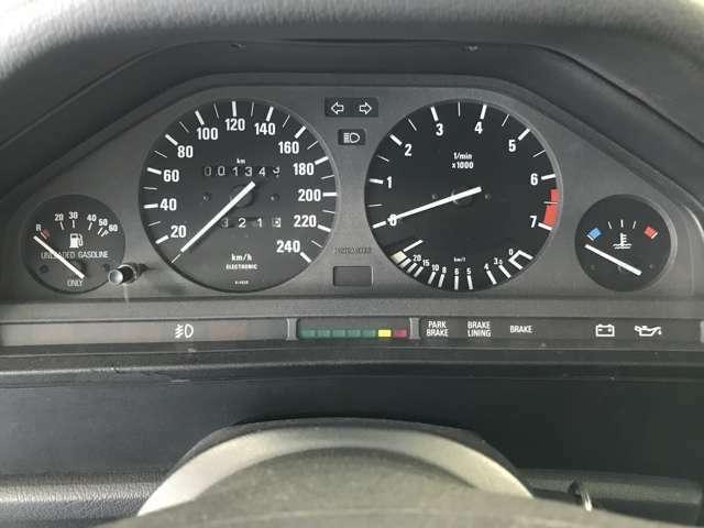 掲載時メーター指針値です。BMW正規ディーラーにて新品交換(124321km)記録簿ありますのでご安心ください。交換後1000km程度走行です