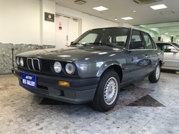 BMW 3シリーズ 320i 1オーナータイベル交換 新車保証書記録簿17枚
