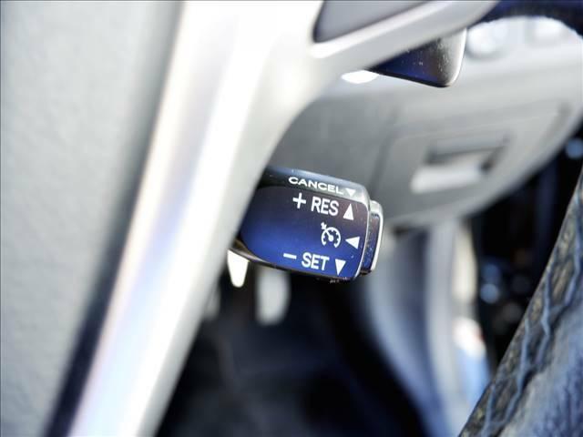 【クルーズコントロール】アクセルペダルを踏まずに一定の速度で走行可能!高速道路や加速・減速の少ない自動車道などで便利です♪