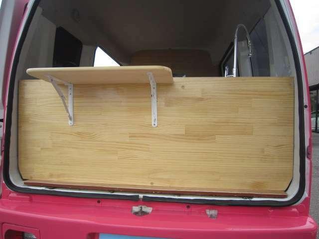 リア収納式テーブル。県外納車&全国納車OK。