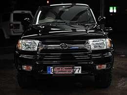 正面アングル☆人気のブラックボディータイプ☆ガソリン車です☆オプションパーツも多数装着済み♪