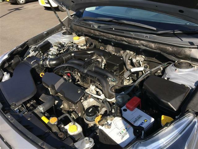 エンジンも綺麗にメンテナンスされています。納車時に再度点検を施しお渡し致しますのでご安心下さい。