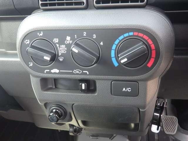 純正のエアコンが標準装備です♪