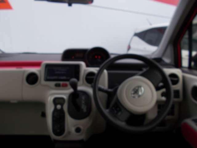 ダッシュ回りはシンプルで使い易い車です