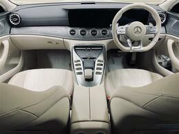 納車後に万が一の不具合にも全国のディーラーで無償修理を受けられる新車保証継承が可能なお車です。新車時からの記録簿も残っており前オーナー様に大切にされていた事が伺えます。