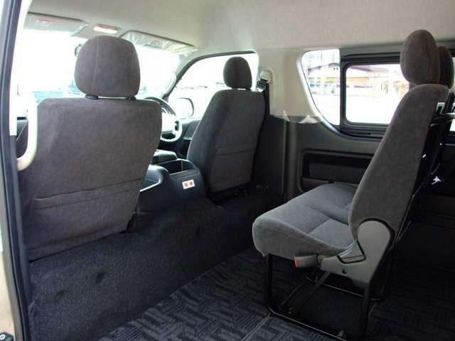 コンソールなどにスッキリ装着できるビルトインタイプETC車載器装着。保証は当店の無料保証が付きます!保証範囲はメーカーの指定する特別保証部品です。詳しくはスタッフまでお気軽にお尋ね下さい!
