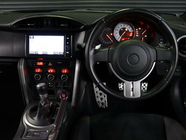 使用感が少なく運転席周りも綺麗です。