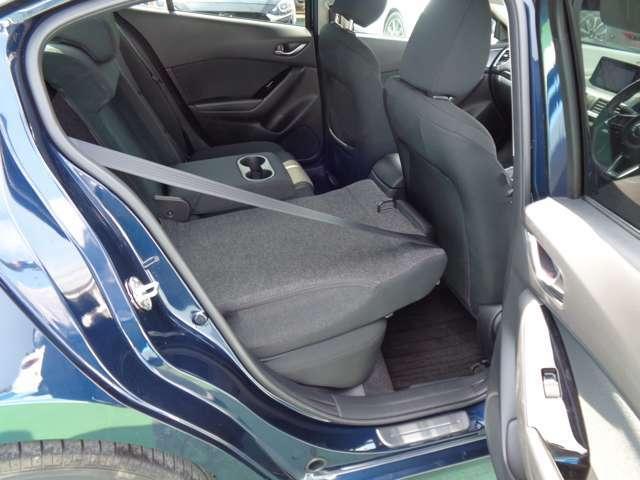 可倒式リヤシートで長尺の者も積み込みが可能です。