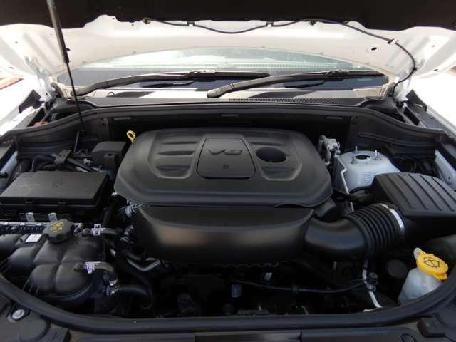290ps/35.4kgm(カタログ値)を発揮する3.6リッターV6DOHC「ペンタスター」エンジン搭載!