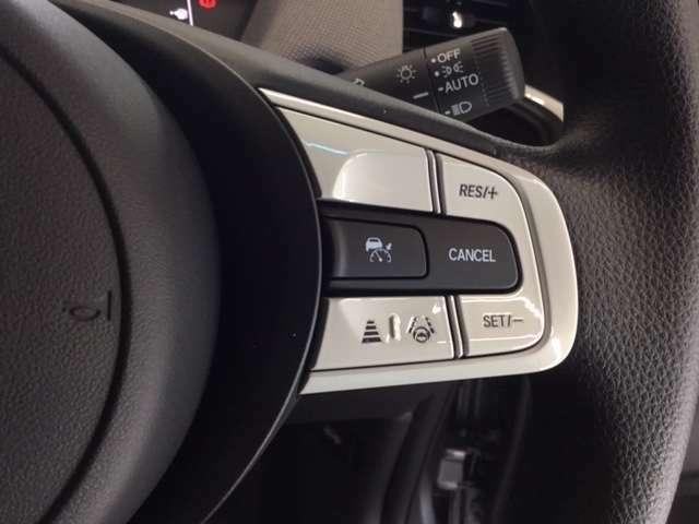 ホンダセンシングとは、衝突回避・車検維持オートクルーズ・車線維持・標識認識など「事故にあわない社会」を目指して長年ホンダが開発してきたシステムです。安心・安全運転をバックアップしますよ。