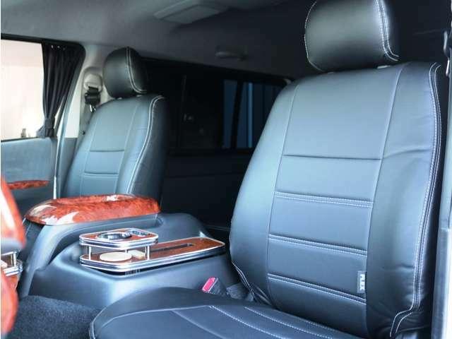 新品 黒革調シートカバー装着済み♪