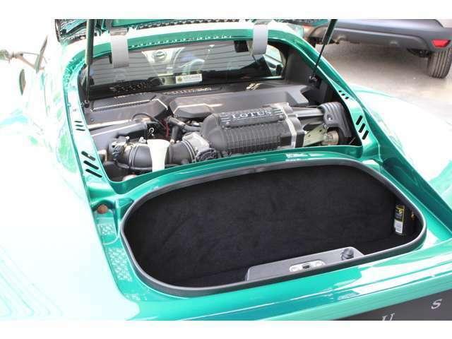 イギリスの名車「LOTUS」の山梨県正規ディーラーでもあるエムライン/LOTUS山梨は、輸入車専門店でもあります。