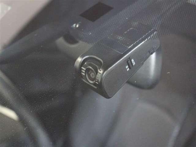 万が一の事故に備えてのドライブレコーダーを装備!乗り始めからの装備は頼もしいですね!