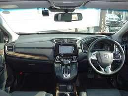 フロントガラスは、大きく視界も良好!目線も高く運転しやすいお車です!