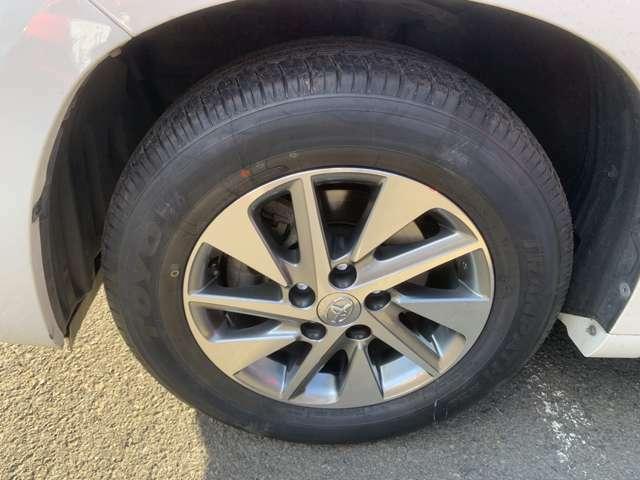 本日5月6日 乗り心地を重視してタイヤを純正サイズほぼ新品に取り替えました。