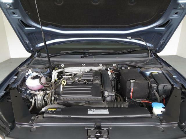 1.4L TSIエンジン搭載、低燃費と高出力を兼ね備えたエンジンです。