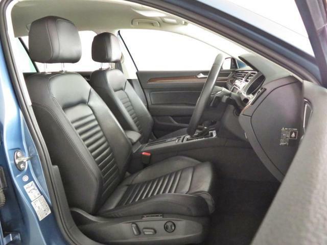 運転席に座りステアリングを握るとソコは既に別世界♪視認性と直感的な操作性に優れたステアリング周りはドイツ車そのものです。