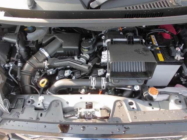 インタークーラー付きターボエンジンで坂道や高速道路での合流も楽々に走れます