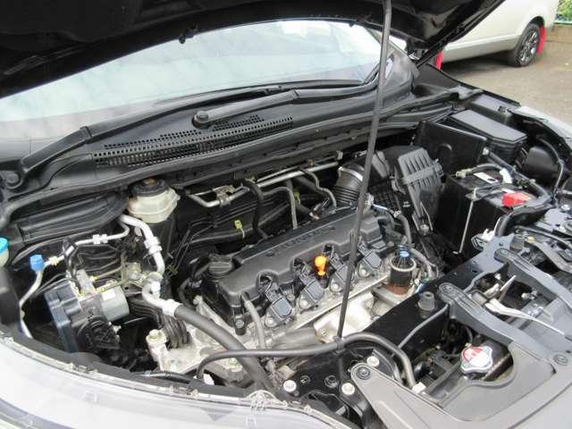 2000cc 4気筒SOHCガソリンエンジン