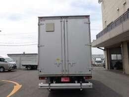 積載2トン 車両総重量5745kg