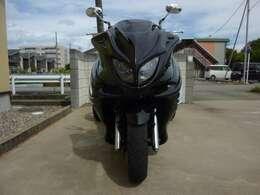 フルエアロでかっこいい~!ヘルメット不要で気軽に乗れて、風が気持ちいいです!オートマなのでママでも運転できます!