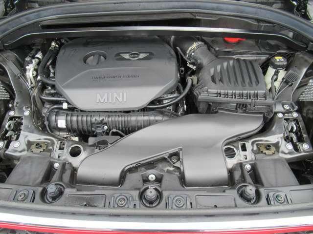 2000cc 直列4気筒ターボエンジン、エンジン・オート・スタート/ストップ機能