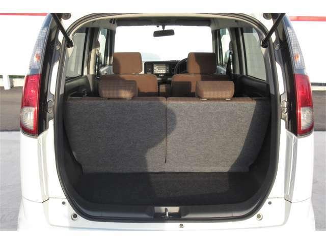 通常の状態でも十分な広さのラゲッジスペースです!荷物もしっかりと載せることができます!