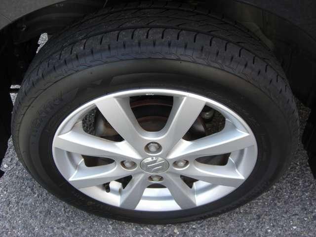 左前タイヤ残り溝5ミリです★