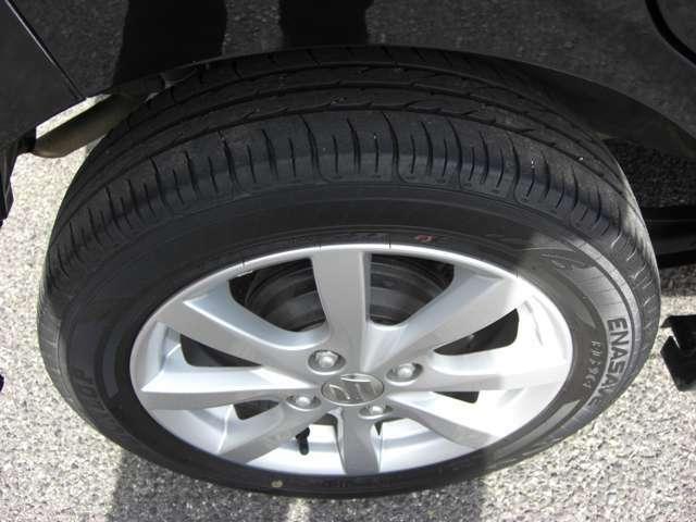右後タイヤ残り溝4.5ミリです★