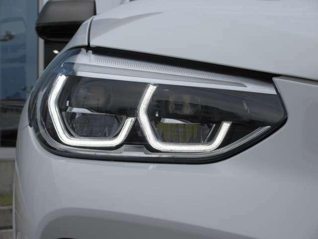 LEDヘッドライトで視界も良好です。見た目も恰好良いです。