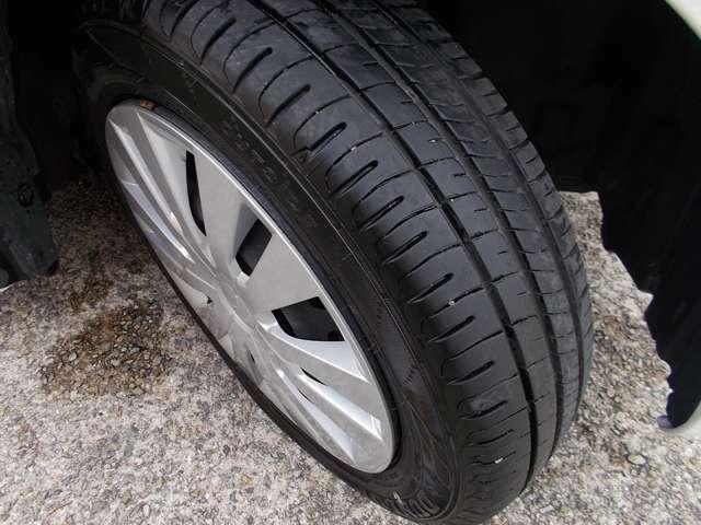 タイヤの残溝もしっかり有ります!