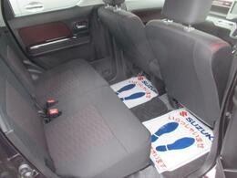 後席も広く、ロングドライブも安心です。