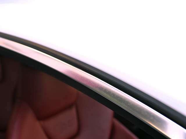 AUDIのウィークポイントのウインドウモールもご覧の通り♪なかなか良い状態を保っています☆