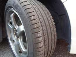 タイヤの溝もまだまだ前後共に残っておりますので納車後も安心してお使い頂けます