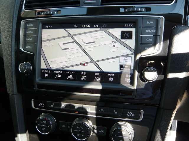 マルチ画面にてナビ、TV、ドライブモード等と多機能なナビとなっております。