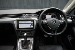 ゆったりと過ごせる車内空間がとても魅力的です。