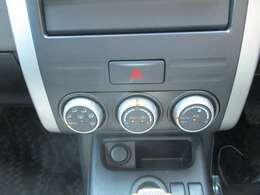 ボタンが大きく操作し易いオートエアコン♪