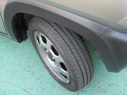 タイヤ溝しっかりと残っております!