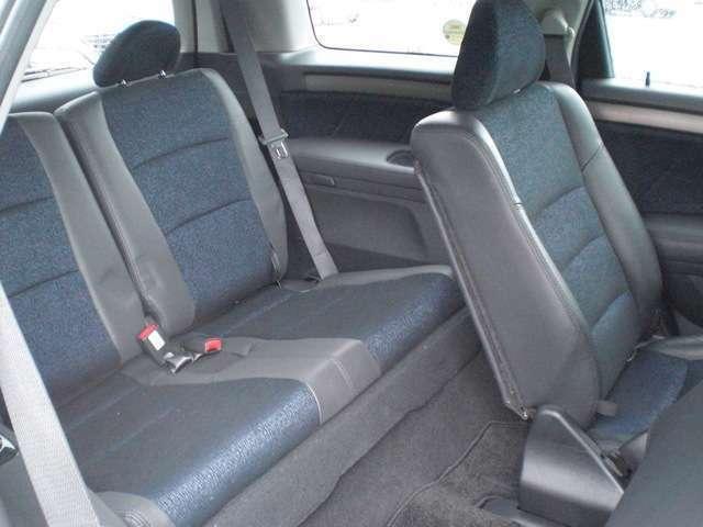 サードシートは使用感ありません。
