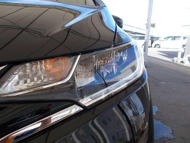明るく消費電力も少ない【LEDヘッドライト】。良好な視界を確保し走行中の安心感を高めてくれます。