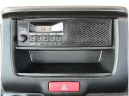 【装備】純正AM/FMラジオが付いています。オプションにてナビゲーションのお取付けも可能です。