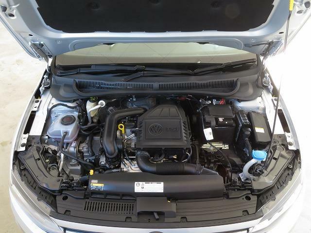 1.0TSIエンジン:直噴技術とターボを組み合わせ、燃料を向上させながらTSIエンジン。