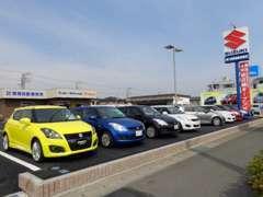 高年式を車両を中心に常時80台以上を在庫しております。もちろん各メーカーの新車の販売もお取扱いしております。