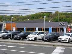 メルセデスベンツやBMW、アウディといった世界のトップブランドの車がお手頃価格で販売中!