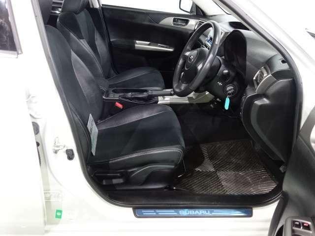 車内は除菌抗菌施工済みで内装も大変綺麗で嫌なにおいもなく、使用感も非常に少ない状態の車両です