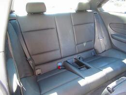 後期型・黒革・iDriveナビ・Bカメラ・MSV・DVD・USB・AUX・メモリー付きパワーシート・シートヒーター・本革ハンドル・パドルシフト・車高調・Fリップスポイラー・HID・Sキー・純正18AW
