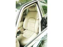 傷みやすい運転席シートもこの通り綺麗な状態をであり、丁寧に扱われていた印象です。