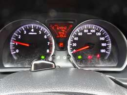 ◆ファインビジョンメーター◆みやすく、スタイリッシュな白色照明を採用し、高い視認性と質感にこだわった大径メーターです!走行中、メーターパネル内の車両情報ディスプレイで燃費情報などが表示されます。